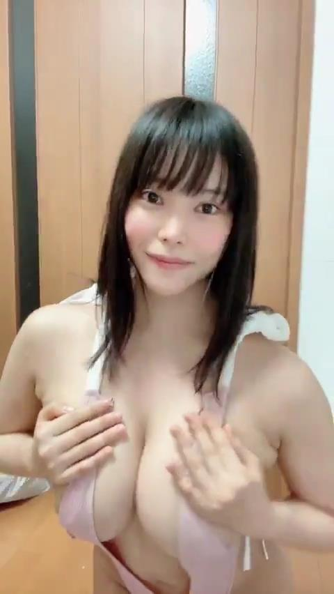 小泉かなの乳首ポチキャプチャ15