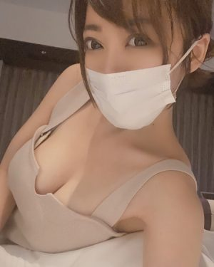 【巨乳エロ自撮り】冨安れおな 元GカップスポーツキャスターAV女優がエロすぎる!